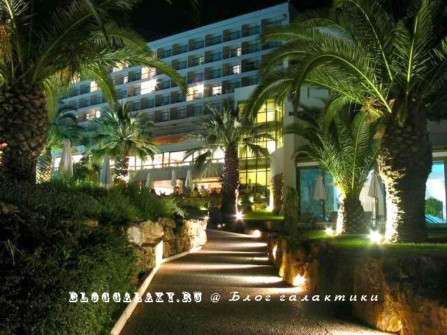 Sani Beach Hotel deluxe 5* Греция Халкидики (корпус B ночью)