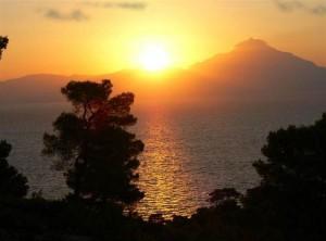 Вид на гору Афон с Ситонии.