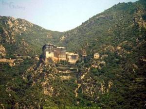 Akrathos 3* (Акратос), Греция, Халкидики (Halkidiki). Один из монастырей святой горы Афон.
